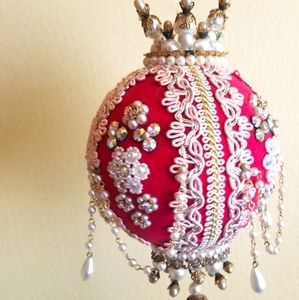 Christmas velvet ornament with crystals